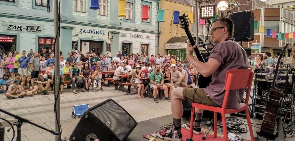 Veszprém Utcazene Fesztivál Teddy Harpo One Man Band